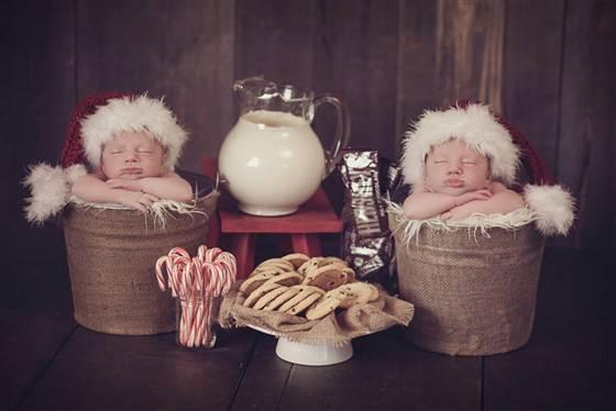 2D10580102-babies-santa-hats.blocks_desktop_medium
